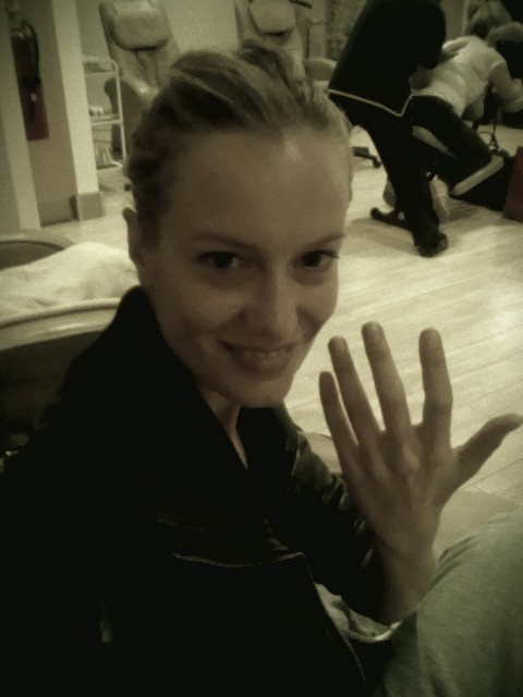 """""""NY. La Guardia airport. Off to Liverpool. Little spoiling myself in that 5 hrs wait. No luggage, Si American manicure."""""""