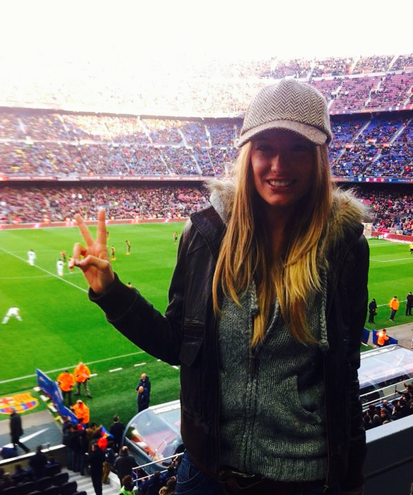 """Supporting FC Barcelona in Camp Nou #passioncule #mesqueunclub"""