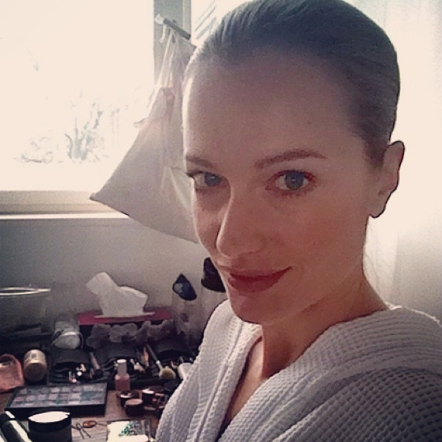 """""""And after a 'Jetlag sightseeing', time for work. On set in Berlin. #Zeitzumarbeiten"""""""